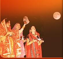 http://www.karwachauth.com/gifs/moon-puja.jpg